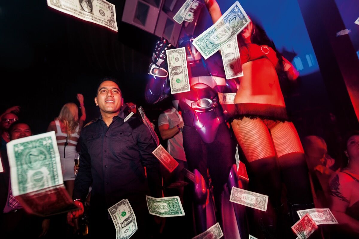 Lauren Greenfield, Marquee nightclub, Las Vegas, 2012. © Lauren Greenfield/Institute. Courtesy of Phaidon Press.