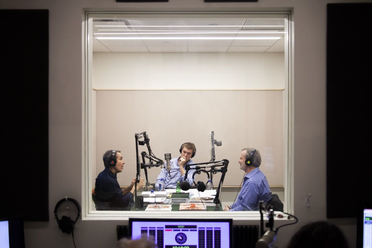 Recording of Dialogues: The David Zwirner Podcast with Jeff Koons and Luke Syson. Photo by Zac Casto. Courtesy of David Zwirner.