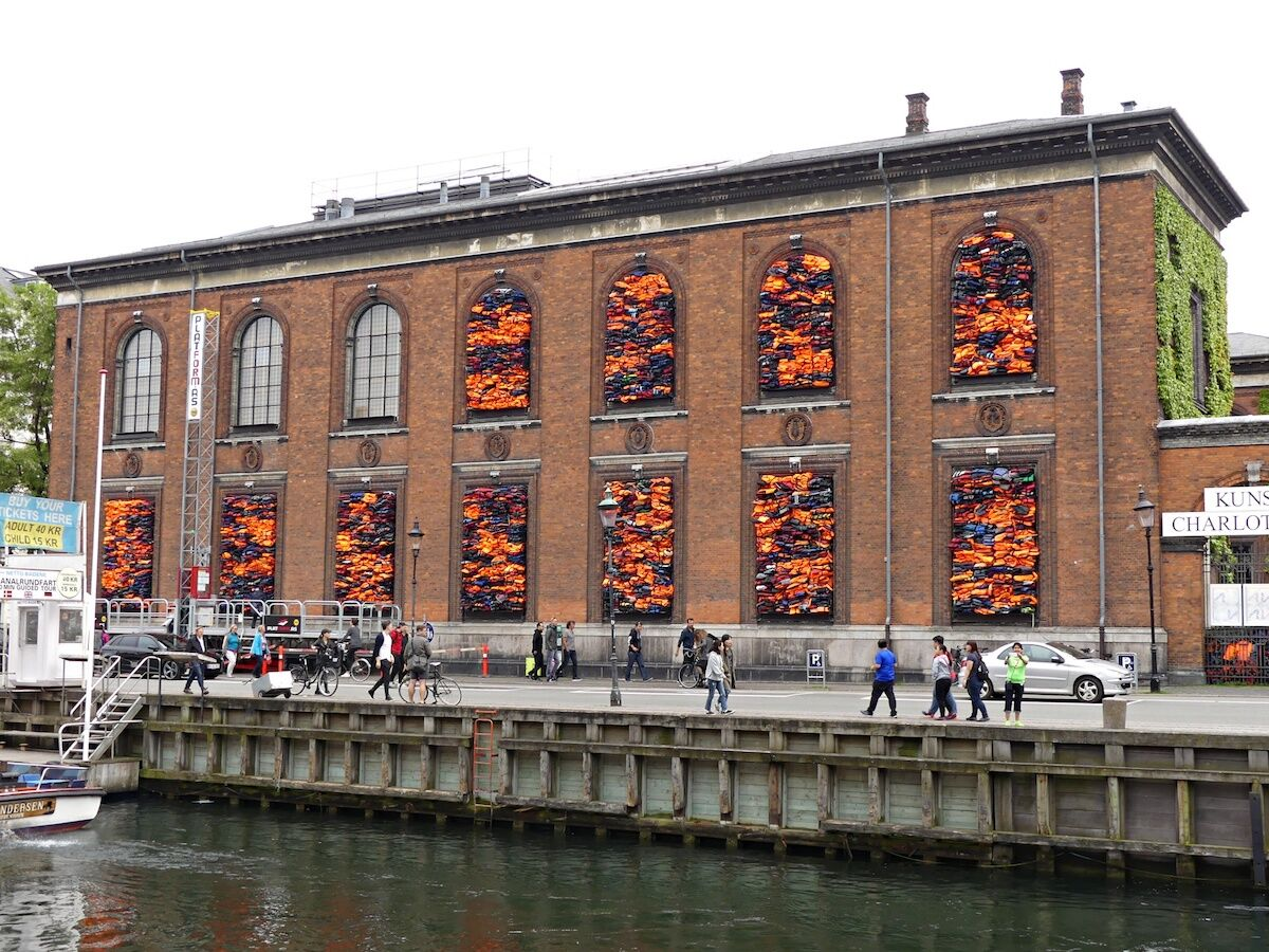 Ai Weiwei, Soleil Levant, 2017, on the exterior of the Kunsthal Charlottenborg. Photo by mksfca, via Flickr.