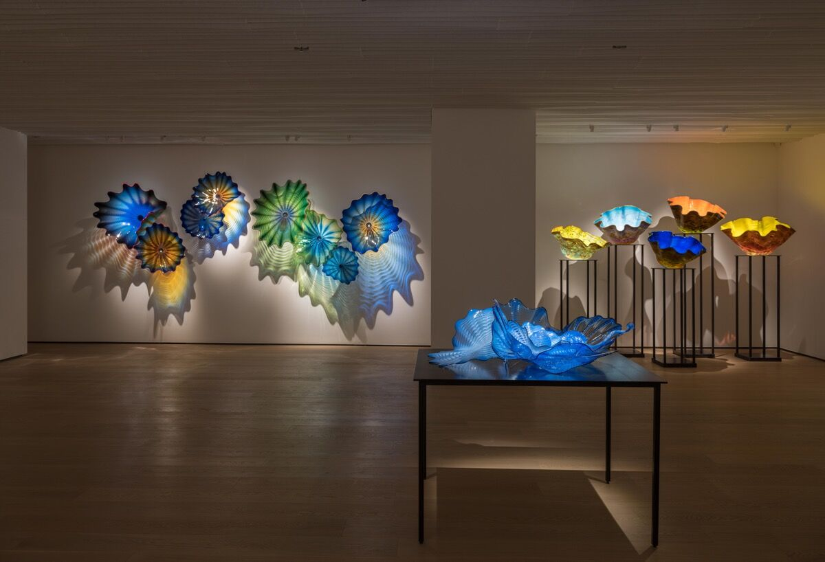 Installation view of Dale Chihuly's work at Whitestone Gallery Hong Kong, 2018. Courtesy of Whitestone Gallery.