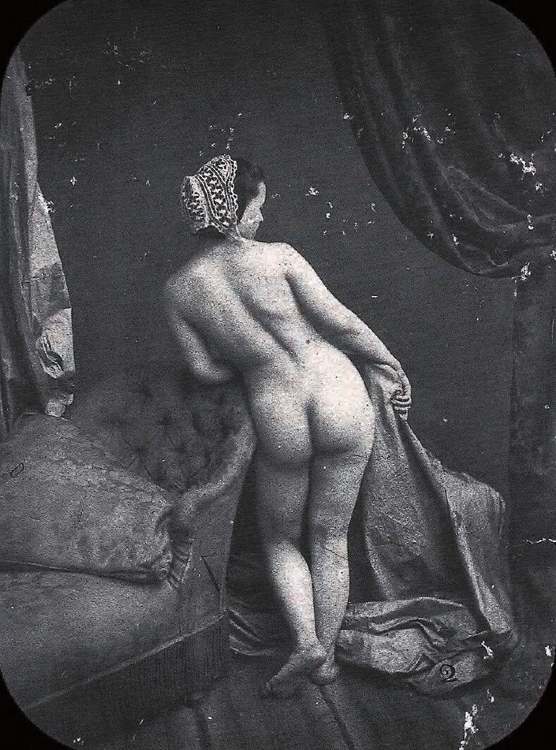 Auguste Belloc, Erotische Fotografie, ca. 1850. Image via Wikimedia Commons.