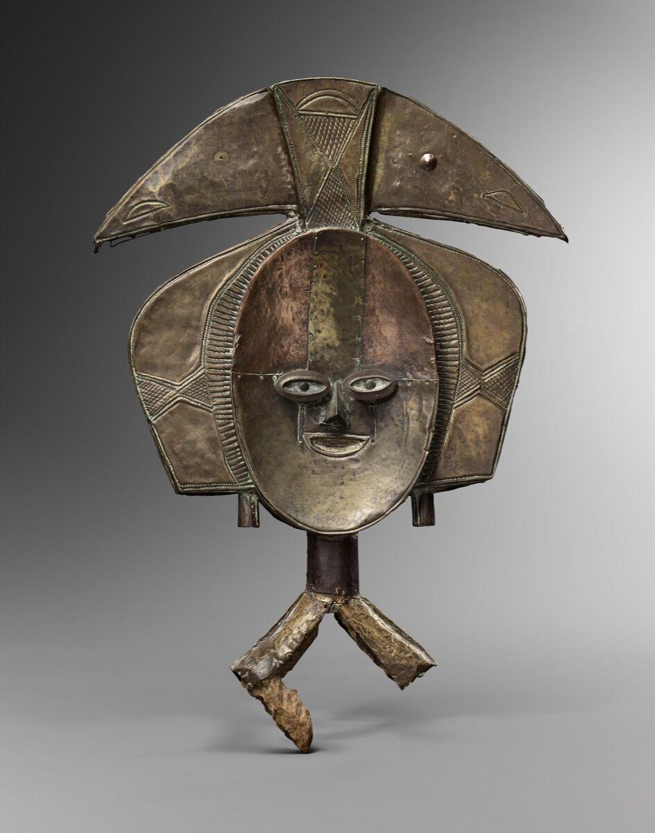 Janus Kota, reliquary figure, Gabon, 18-19th century. Courtesy of Bernard de Grunne.