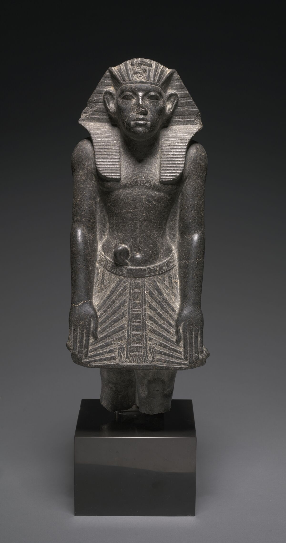 Why Do so Many Egyptian Statues Have Broken Noses? - Artsy