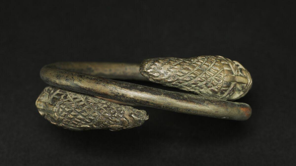 Hand Coil, Guinea Coast, Nigeria, Benin, 19th century. Courtesy of The Cleveland Museum of Art.