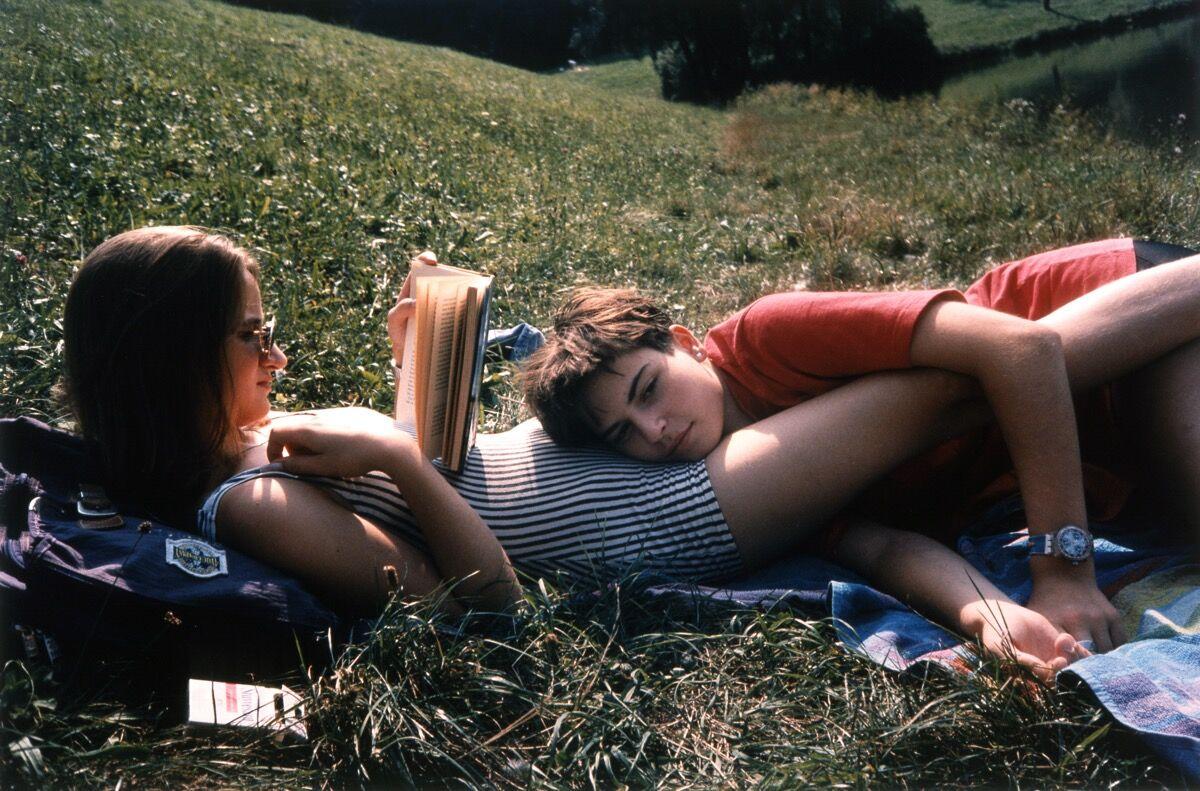 Collier Schorr,Girlfriends Bathing, Durlandgen,1995. © Collier Schorr. Image courtesy of 303 Gallery, New York.