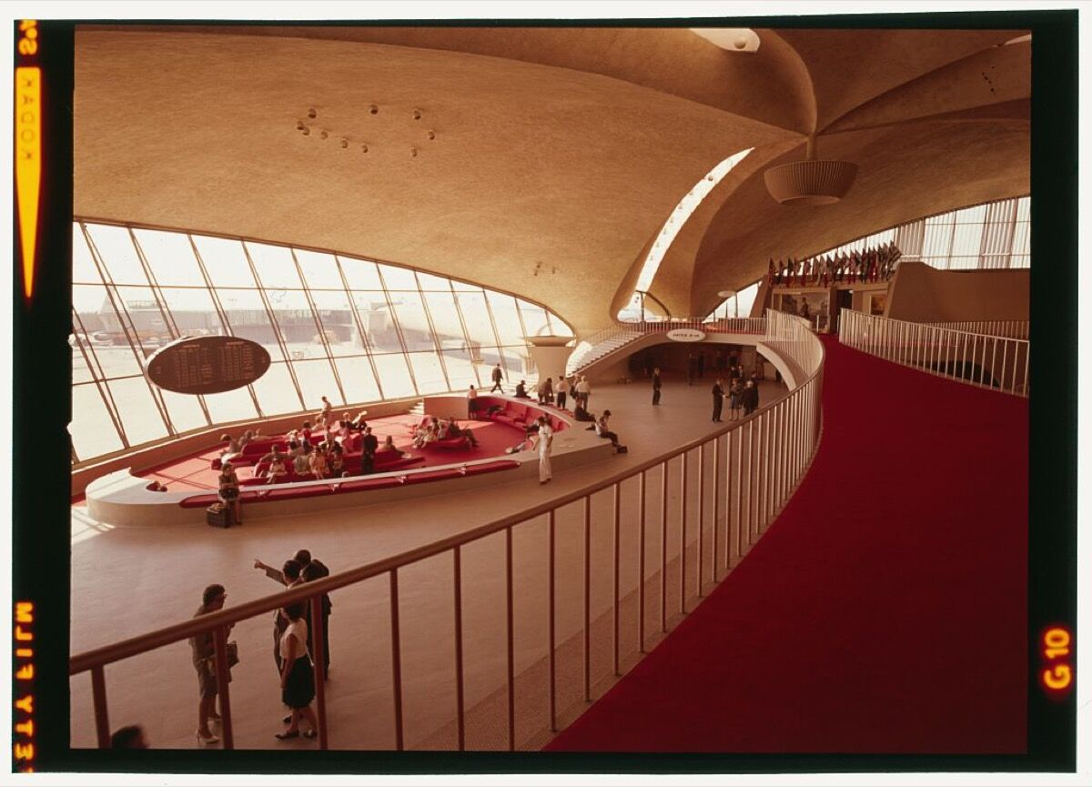Interior view of Trans World Airlines Terminal, John F. Kennedy (originally Idlewild) Airport, New York, New York, 1956-62. Courtesy of the Library of Congress, Prints & Photographs Division, Balthazar Korab Archive at the Library of Congress.