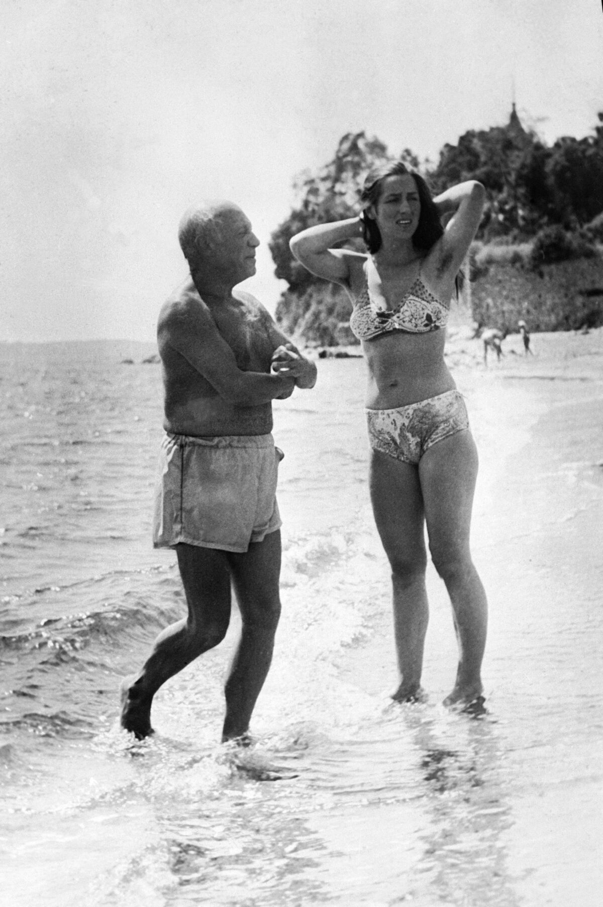 Pablo Picasso and Francoise Gilot on holidays, 1949. Photo by Keystone-France/Gamma-Keystone via Getty Images.