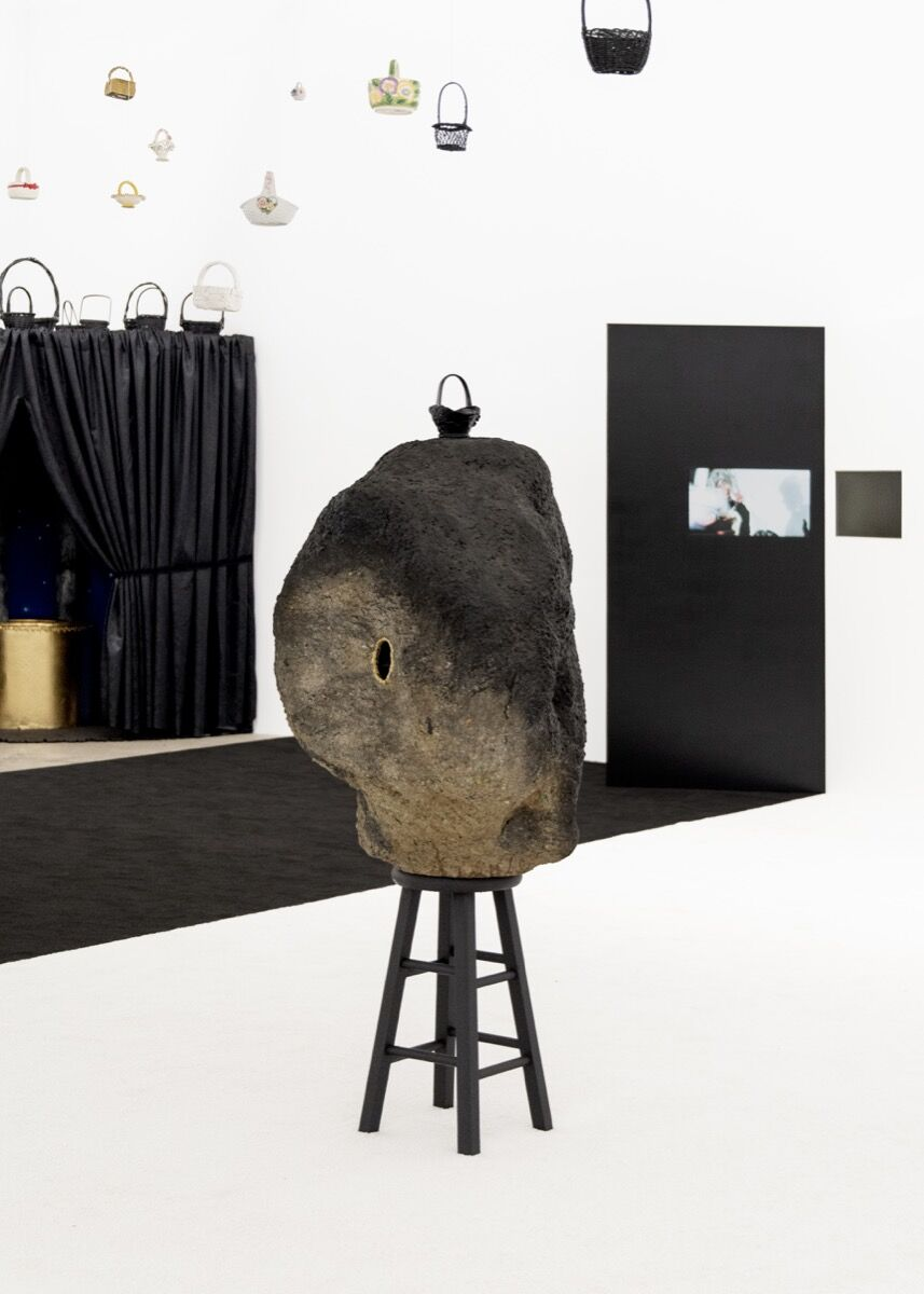 Trulee Hall, Hole in Rock (Swollen Body, Decorative Face), 2018. Photo by Coley Brown. Courtesy of the artist, Zabludowicz Collection in collaboration with Tamares Real Estate Holdings, Inc. and Maccarone, Los Angeles.