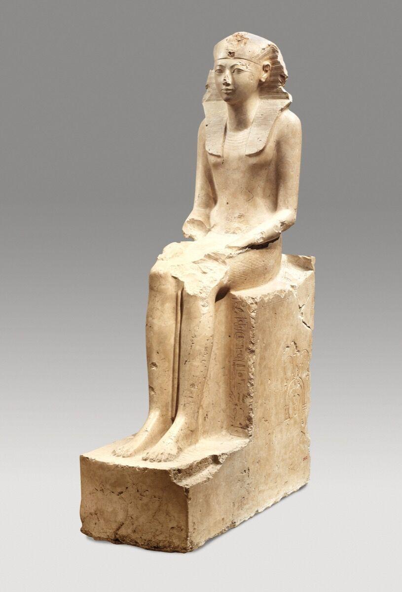 Estatua sentada de Hatshepsut, ca.  1479–1458 a. C. Cortesía del Museo Metropolitano de Arte.