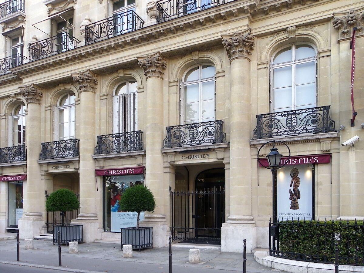 Christie's headquarters in Paris. Photo by Erwmat, via Wikimedia Commons.