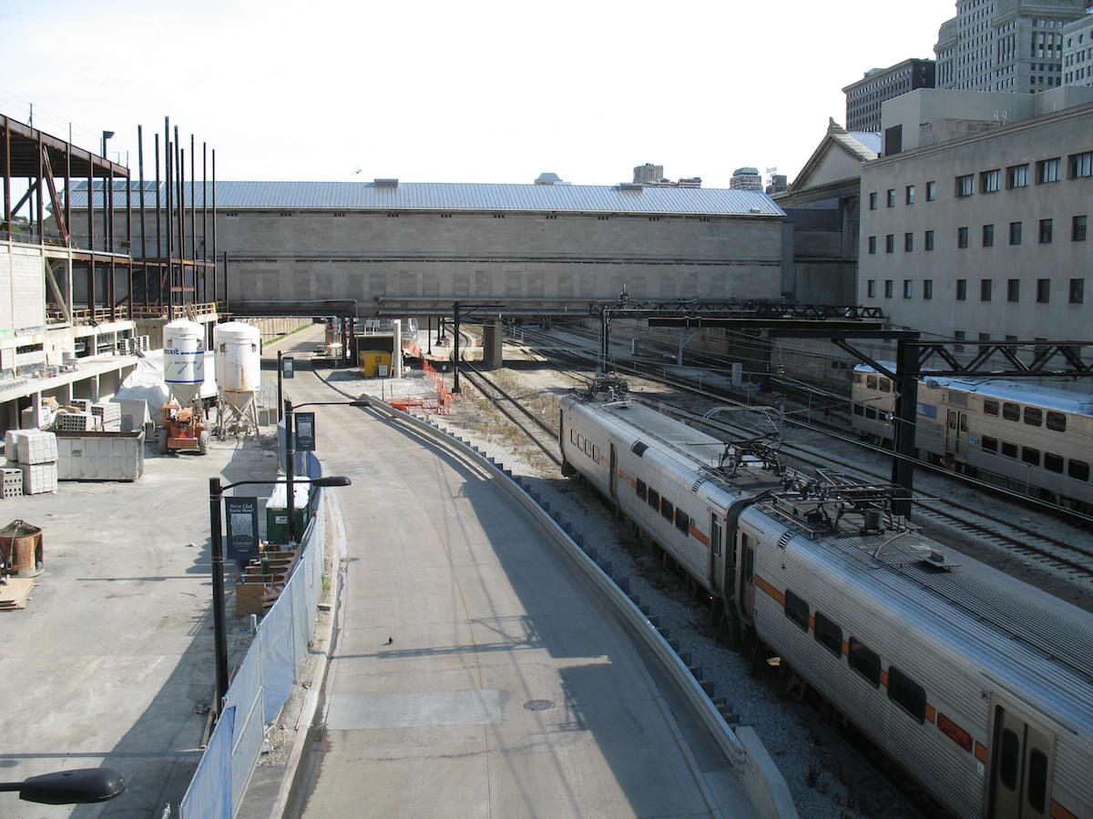 Train tracks pass beneath part of the Art Institute of Chicago. Photo by Antonio Vernon, via Wikimedia Commons.
