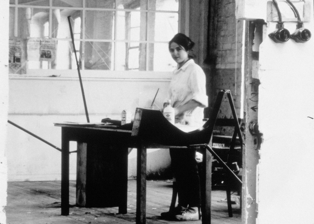Eva Hesse at work in her studio in Kettwig an der Ruhr, Germany, ca. 1964–65. © The Estate of Eva Hesse. Courtesy of Hauser & Wirth.