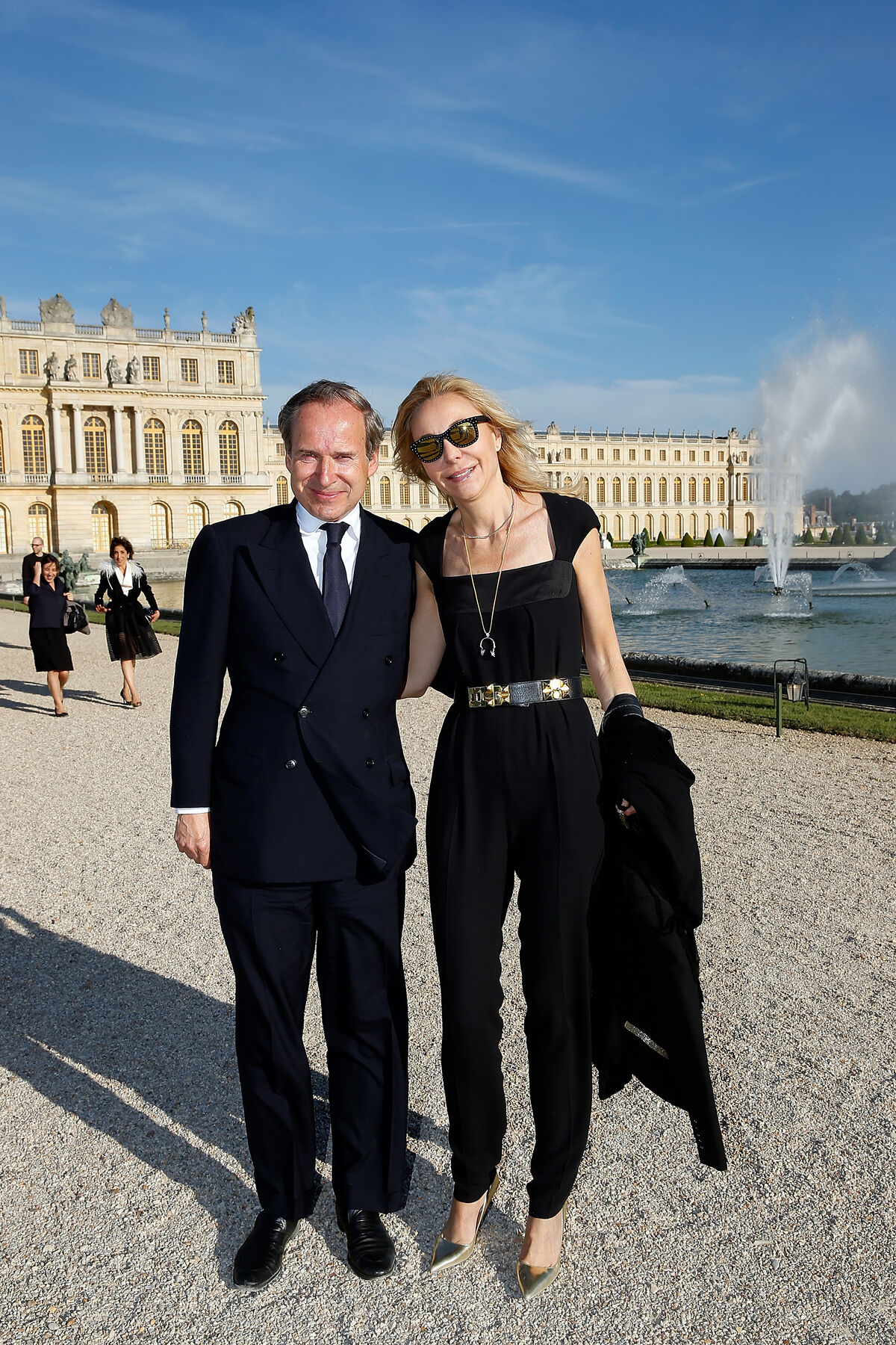 Photo of Simon and Michaela de Pury at Versailles by Rindoff/Charriau, courtesy of Getty Images.