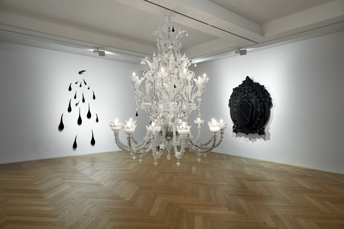 """Installation view of """"Fred Wilson: Glass Works 2009 - 2018"""" at Pace Gallery Seoul, 2020. Photo by Sangtae Kim. Courtesy of Pace Gallery."""