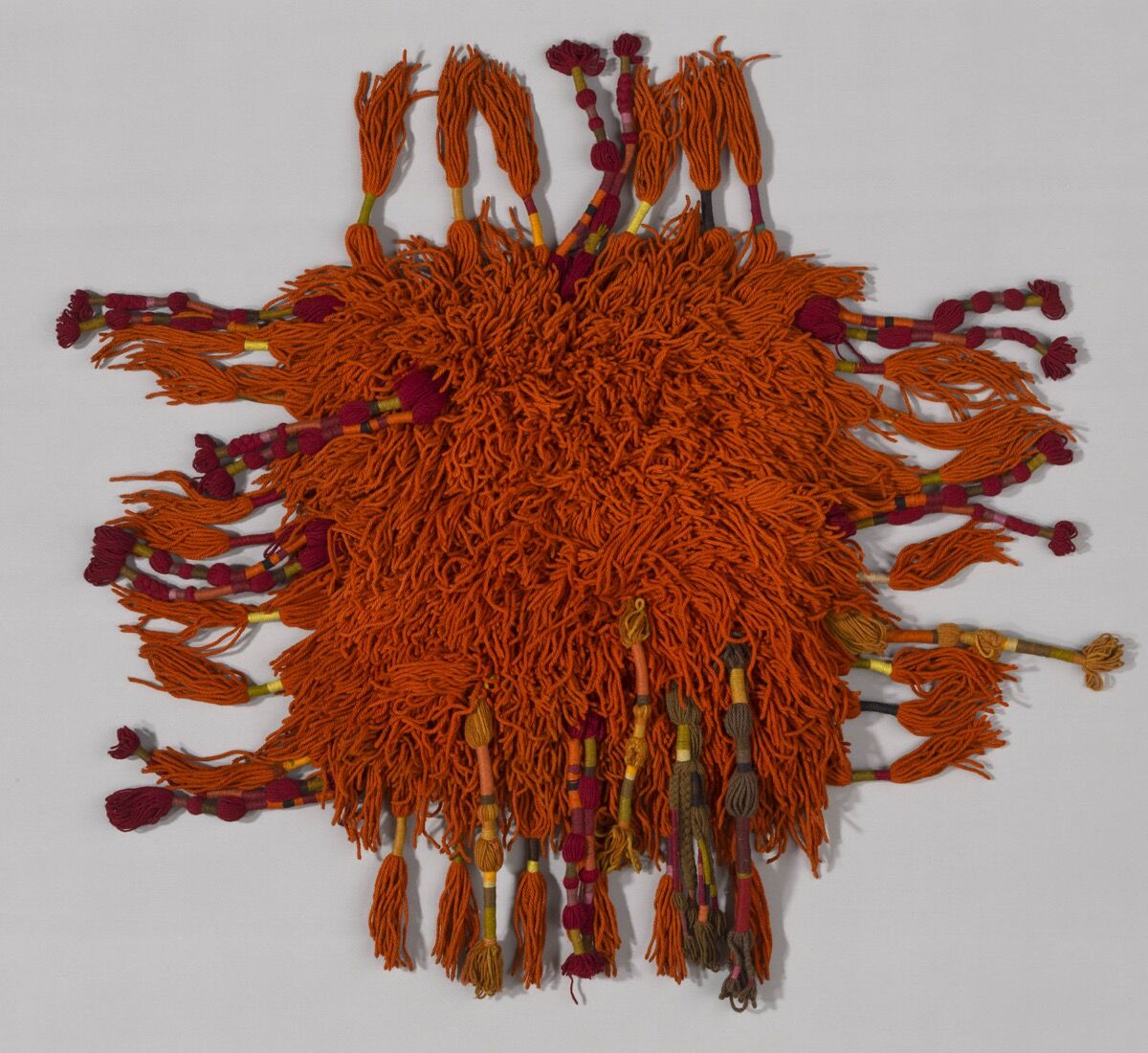 Sheila Hicks, Produced by V'SOSKE, Rug, ca. 1965. Courtesy of the Art Institute of Chicago.