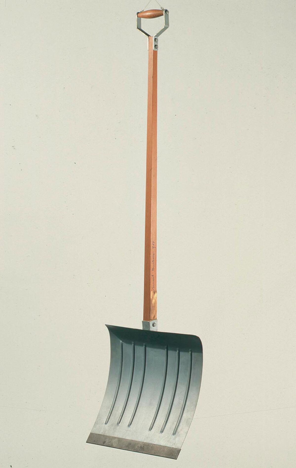 Marcel Duchamp, In Advance of the Broken Arm, 1915. © Marcel Duchamp/ADAG /SOMAAP/México/2019. Courtesy of Galleria Nazionale d'Arte Moderna e Contemporanea, Rome and Museo Jumex.