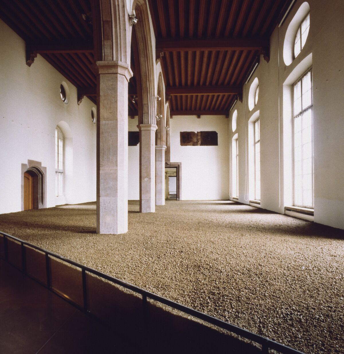Walter De Maria, Darmstadt Earth Room, 1974. Photo by Timm Rautert. © The Estate of Walter De Maria. Courtesy of Dia Art Foundation.