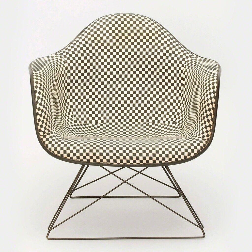 LAR Shell Chair