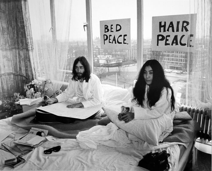 John Lennon and Yoko Ono, Bed Sitting Amsterdam