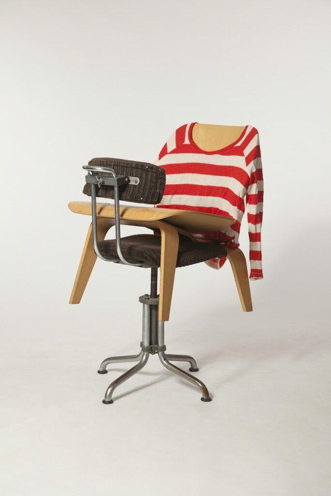 Chair Affair 08