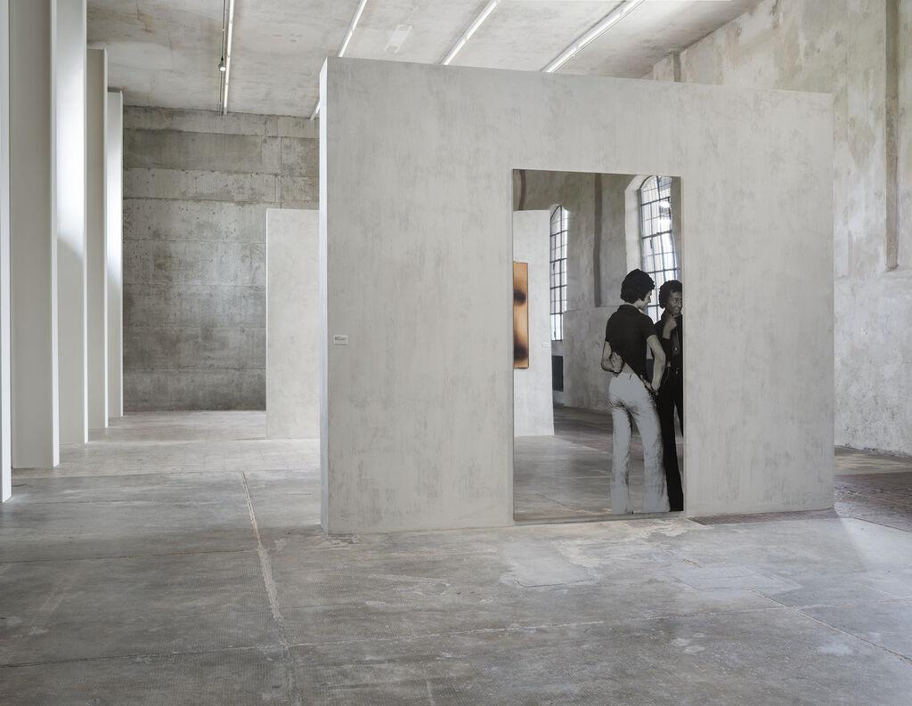 Conversazione (Conversation) (Installation view)