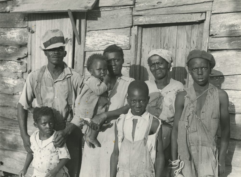 Lewis Hunter, Negro client, with his family, Lady's Island, Beaufort, South Carolina