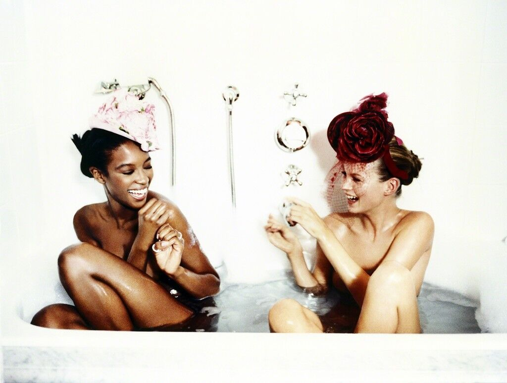 Bathtub, Naomi Campbell and Kate Moss (for Vogue US)