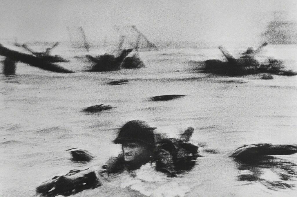 US troops assault Omaha Beach during the D-Day landings (first assault). Normandy.