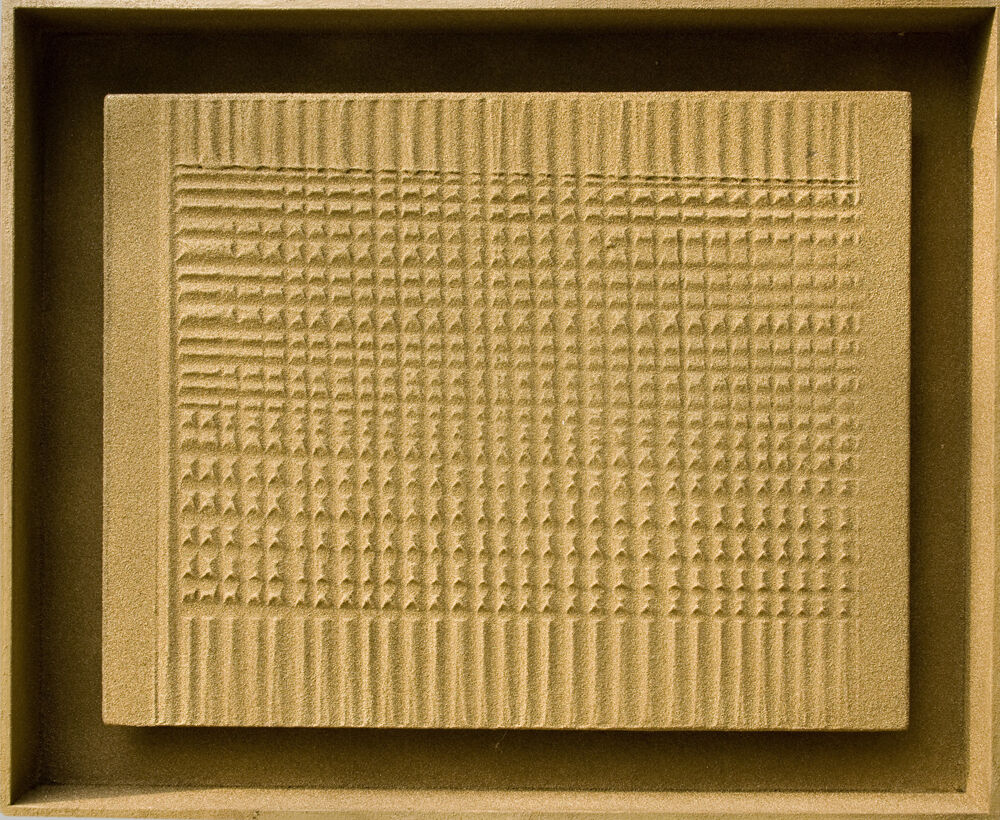 Gold-Sand-Relief