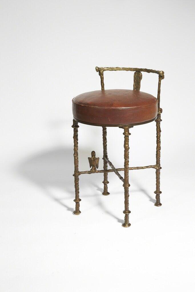 Hair dresser stool with Harpy