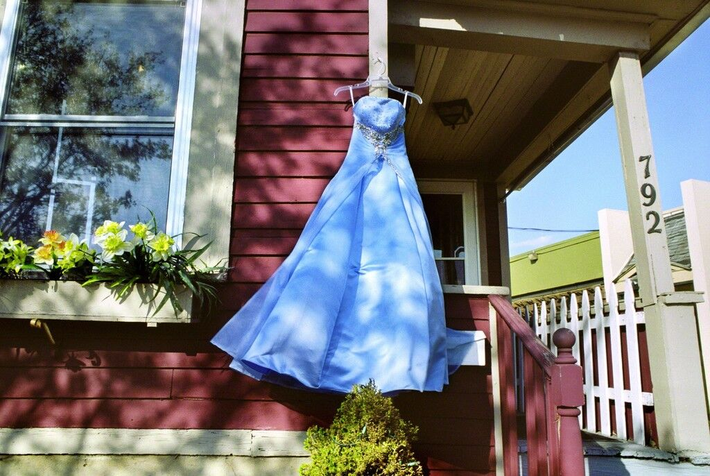 Blue Secondhand Prom Dress, South Wedge