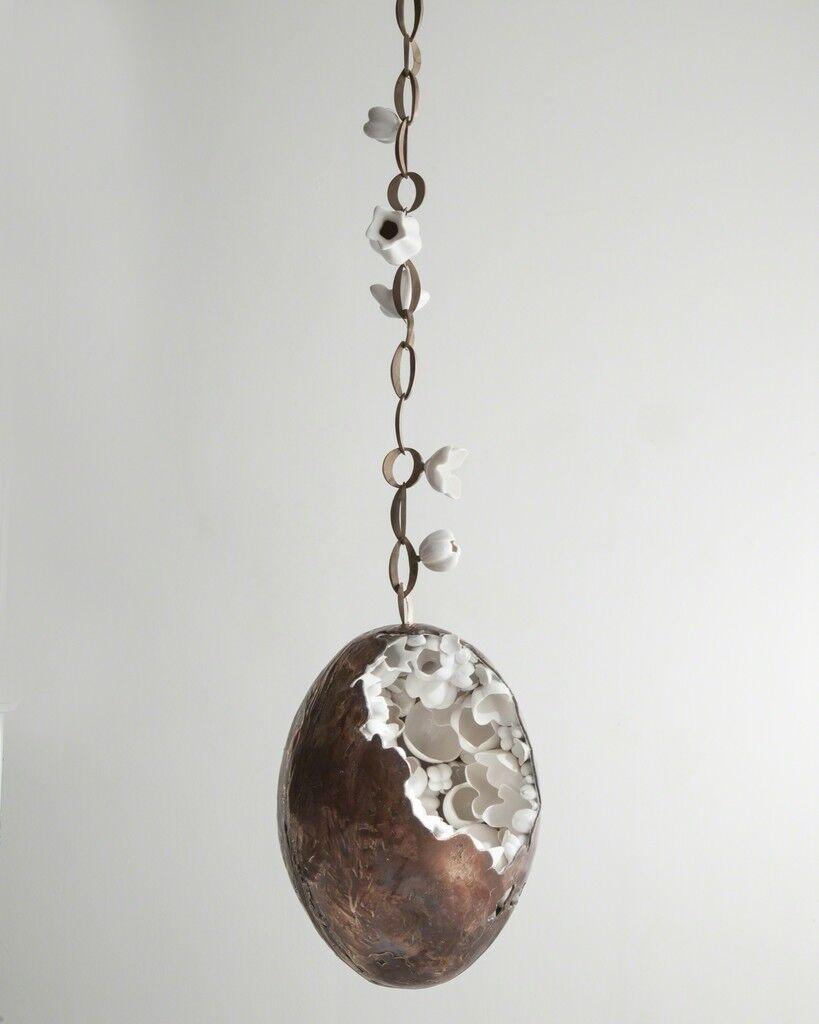 Unique hanging Cornucopia in bronze and porcelain
