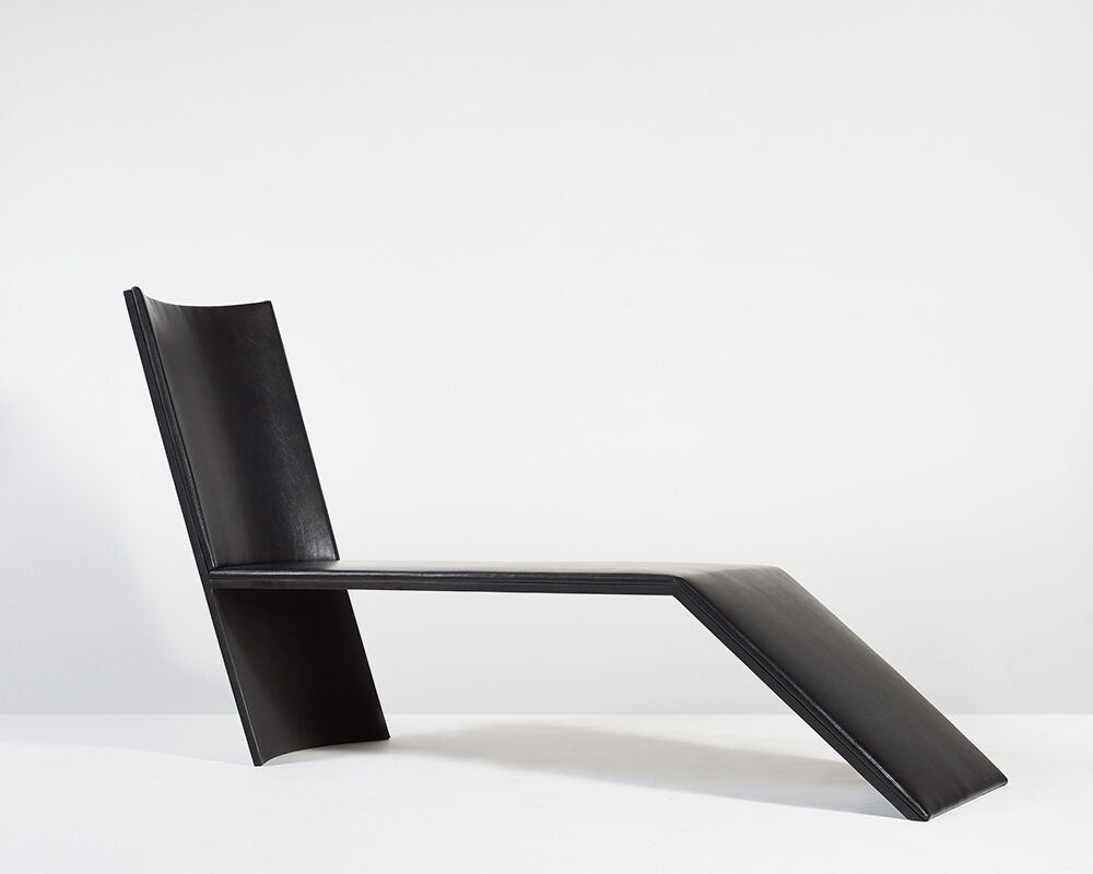 Ebon Ave Chaise, USA