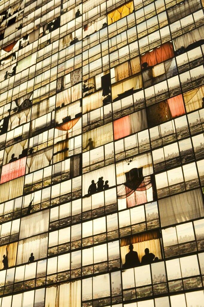 Ponte City, Windows
