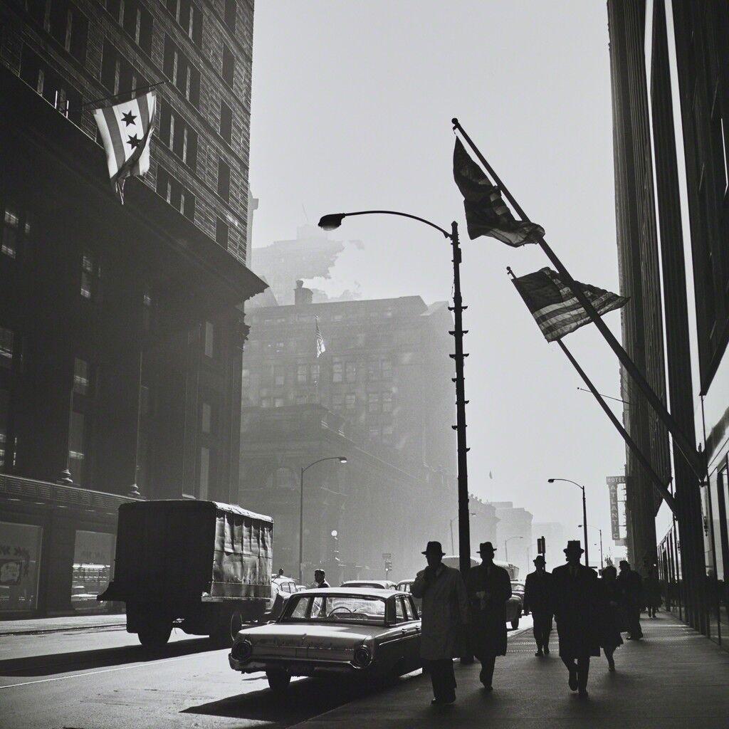 VM19XXW03181 American Flags Street Scene