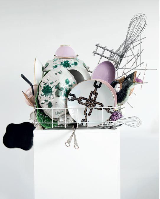 Abwaschskulptur (Dishwashing Sculpture) #11