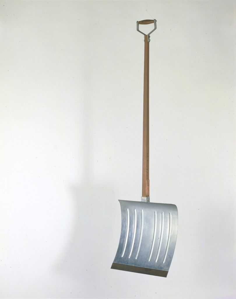In Advance of the Broken Arm. (The original, lost, was carried out in New York in November 1915. The replica, carried out under the direction of Marcel Duchamp in 1964 by the Gallery Schwarz, Milan, constitues the 4th version.)
