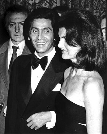 Valentino and Jackie Onassis, Valentino Fashion Show to Benefit the Special Olympics, Pierre Hotel, New York