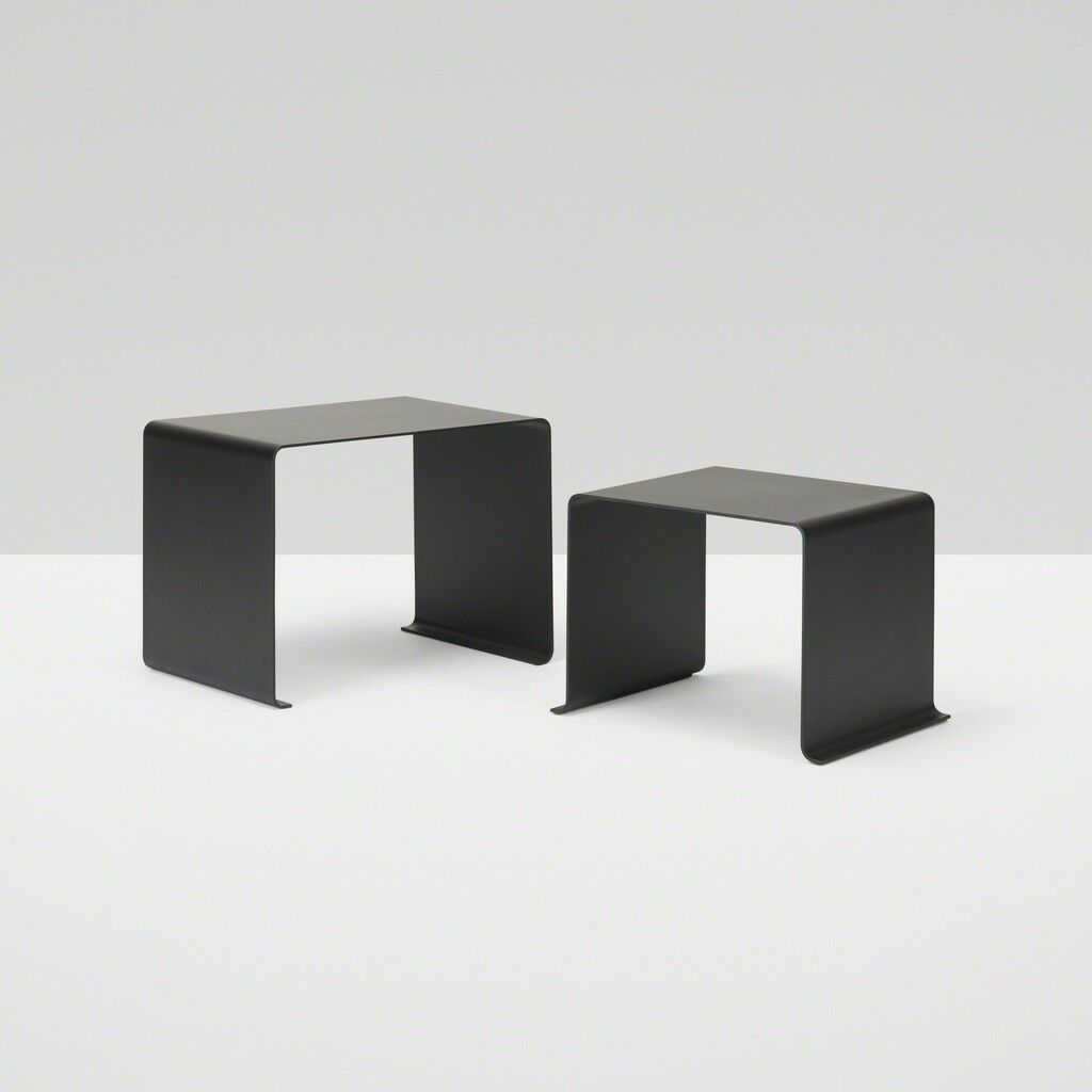 010 nesting tables, set of two