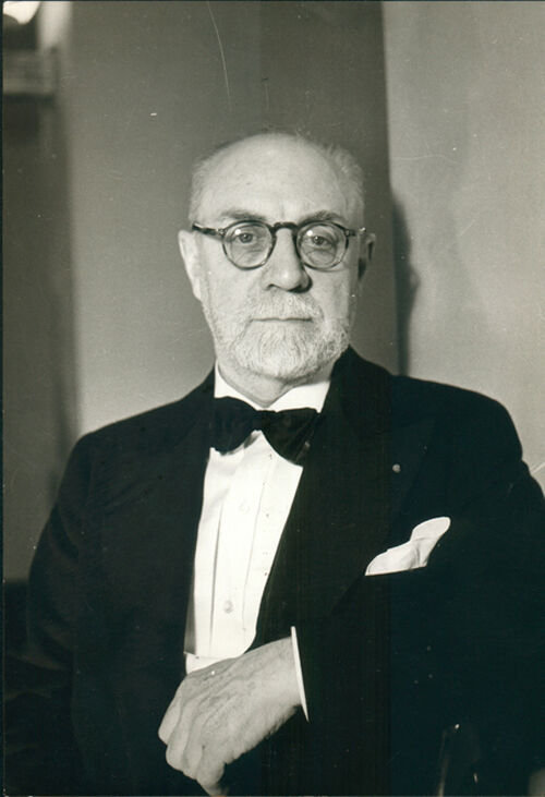Henri Matisse - portrait facing wearing a dinner jacket and bow tie