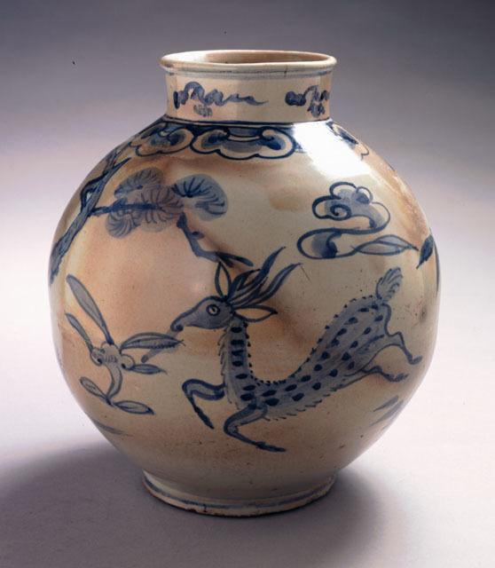 Jar with Longevity Motifs: Deer, Pine and Lingzhi