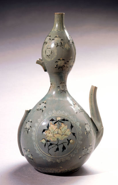 Double-Gourd Pitcher with Peony and Chrysanthemum Motif