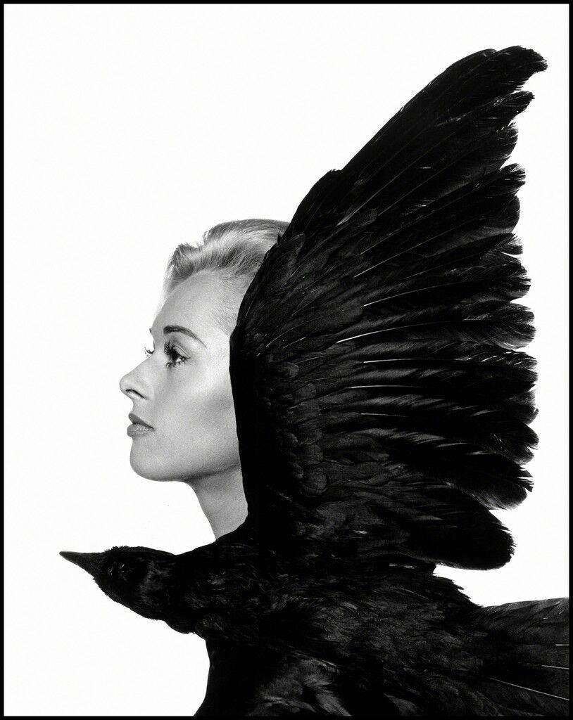 "Tippi Hedren, main actress in British film director Alfred Hitchcock'smovie ""The Birds"""