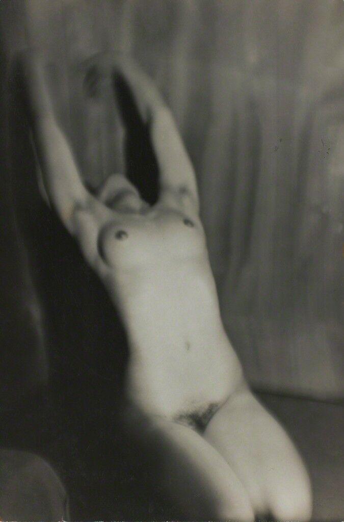 Nu féminin (Female nude)