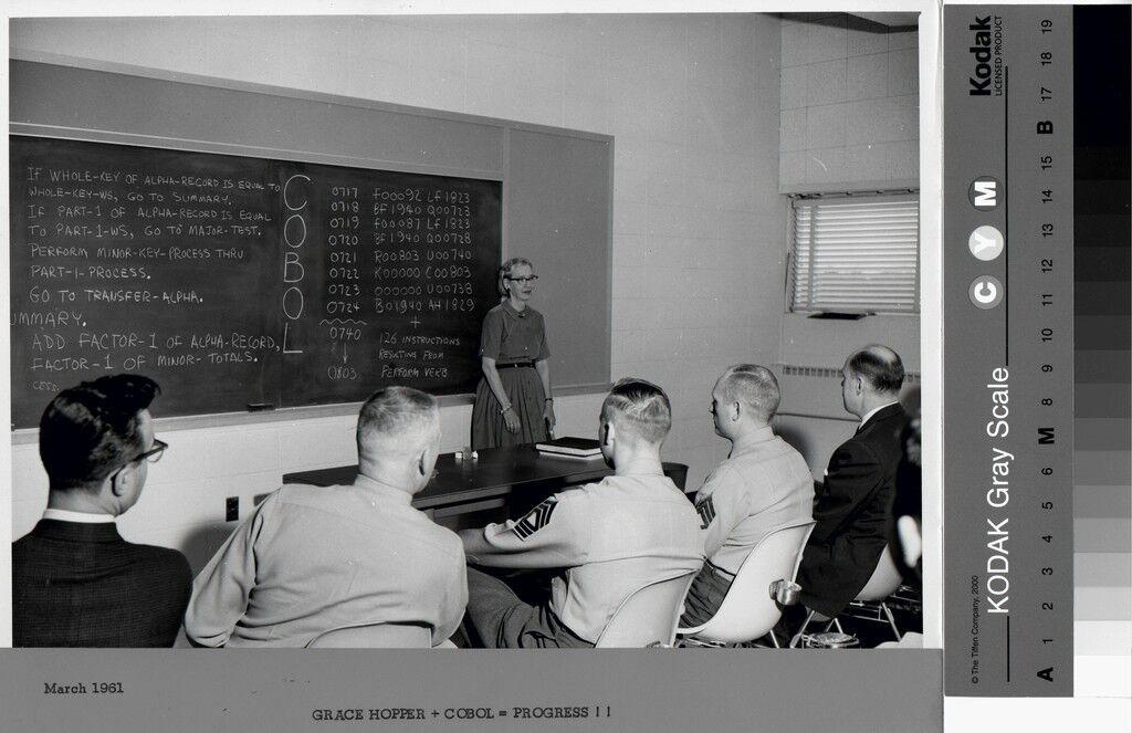 Grace Hopper Teaching Cobol