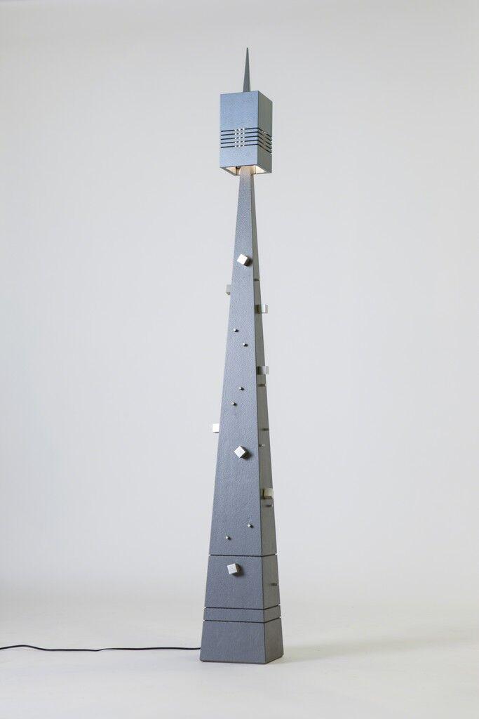 Pinnacle floor lamp