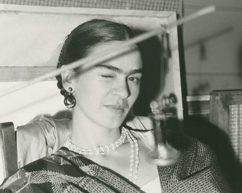 Frida Winking