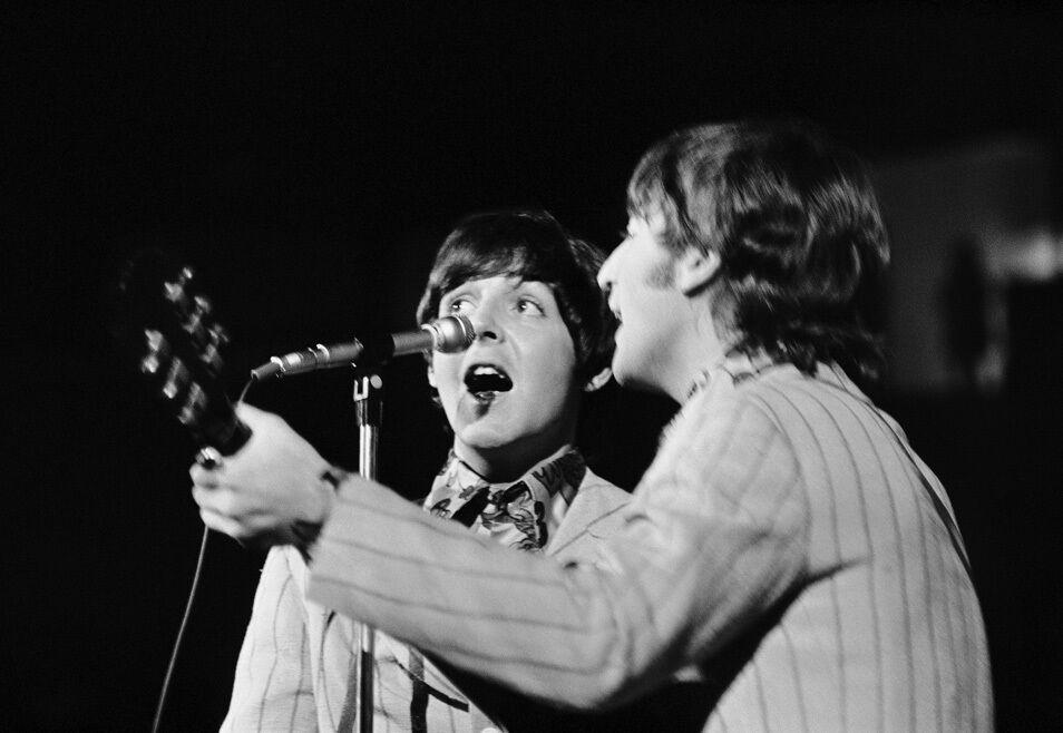 Paul McCartney and John Lennon on Stage, Maryland