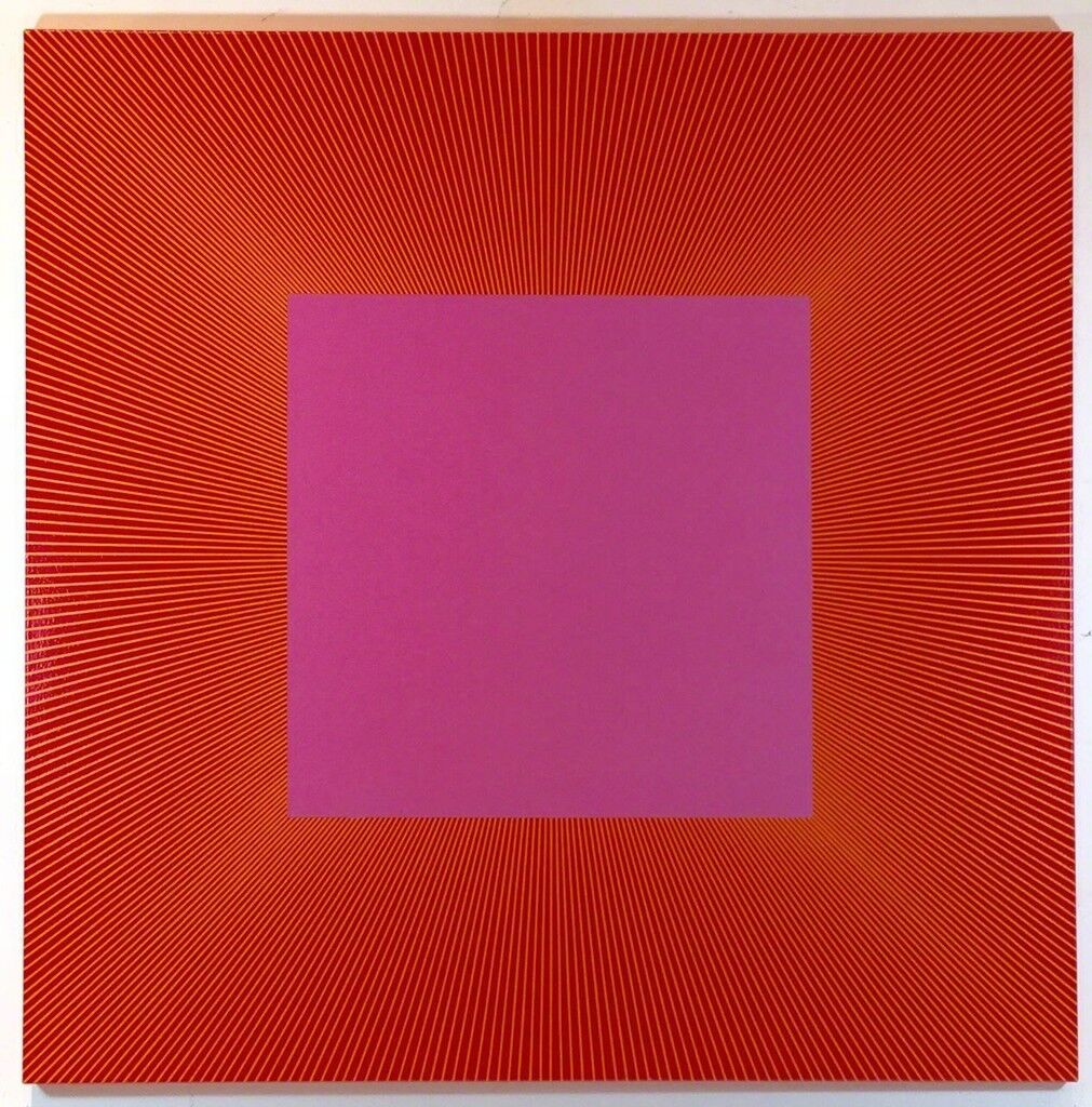 Centered Square Red Pink 1055