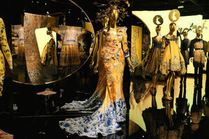 At the Met, a Sweeping Look at China's Influence on Western Fashion